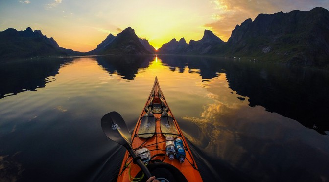 Guided sea kayak tours + photo workshop in Lofoten